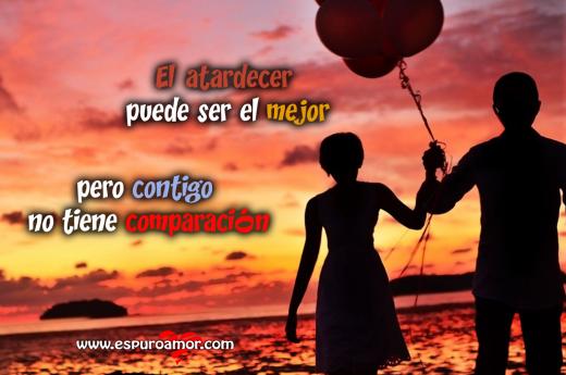 pareja_caminando_de_la_mano_con_un_globo_el_atardecer_puede_ser_el_mejor_pero_contigo_no_tiene_comparaci-C3-B3n