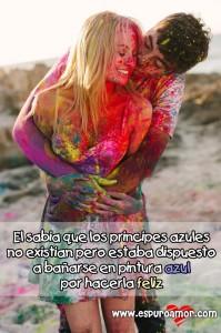 linda pareja de enamorados bañados en colores con excelente frase